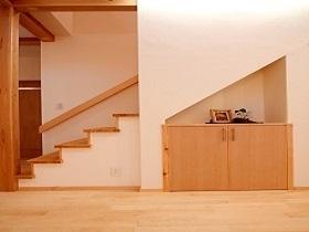 N様邸  階段・玄関 .jpg